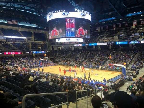 Wintrust Arena, sección: 105, fila: R, asiento: 2