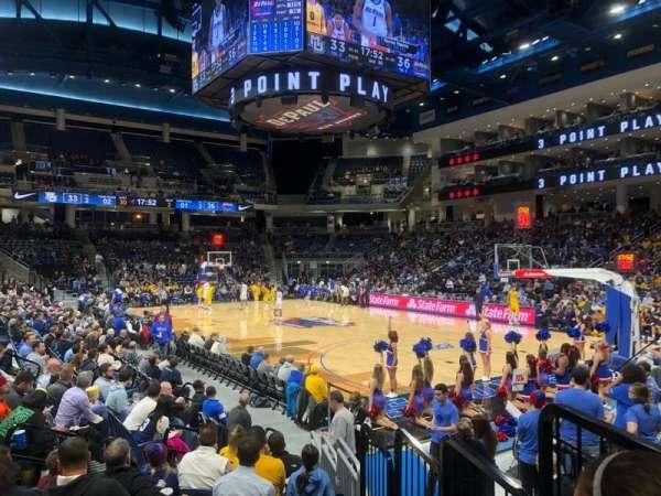 Wintrust Arena, sección: 121, fila: D, asiento: 2