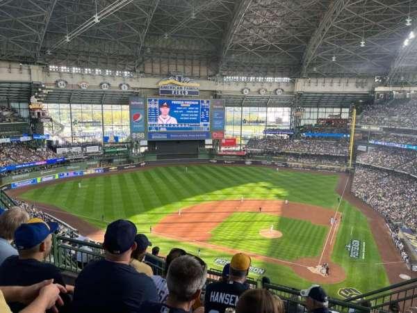 American Family Field, sección: 426, fila: 12, asiento: 5