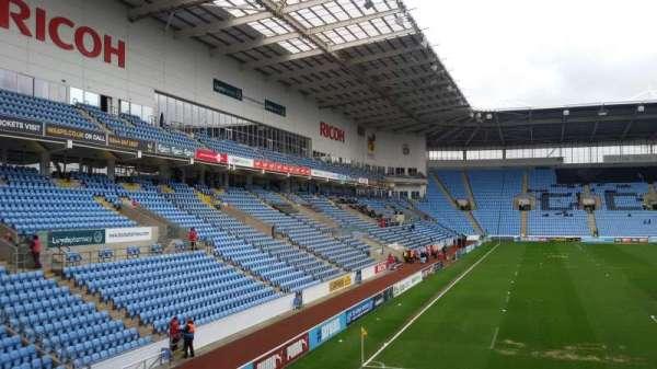 Ricoh Arena, sección: 8, fila: T, asiento: 22