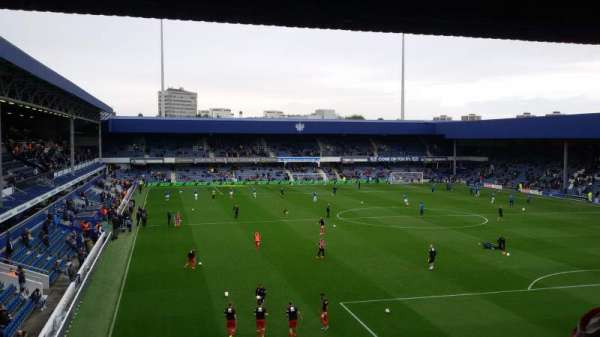 Loftus Road, sección: School End