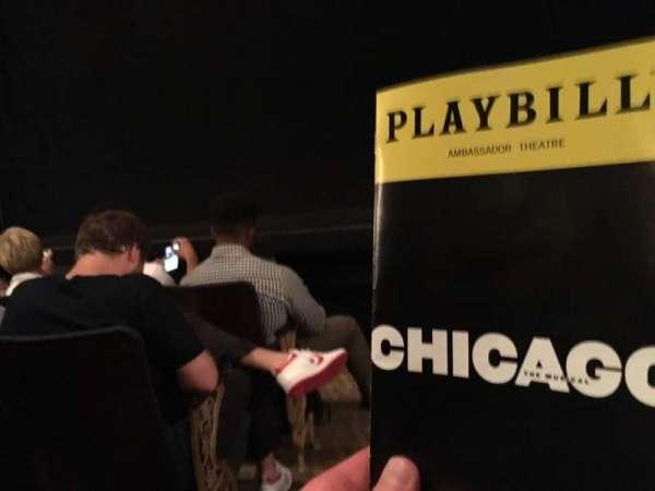 Ambassador Theatre, sección: Orchestra R, fila: B, asiento: 2