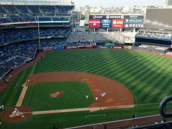 Yankee Stadium, sección: 417, fila: 4, asiento: 3