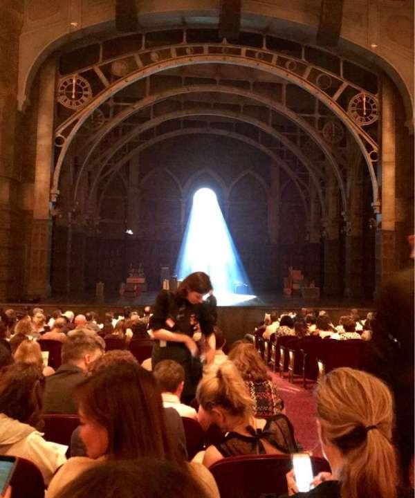 Lyric Theatre, sección: ORCHL, fila: R, asiento: 1