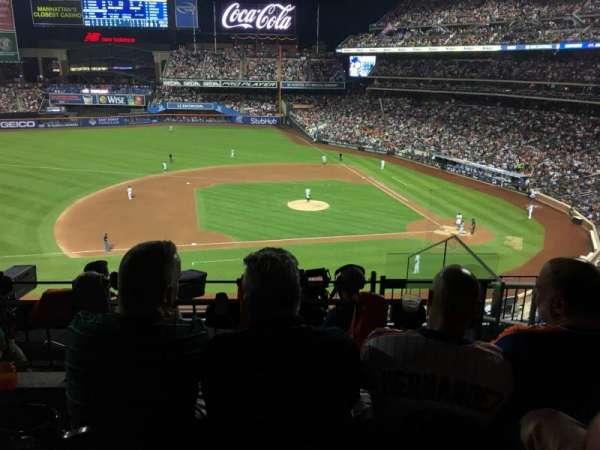 Citi Field, sección: 327, fila: 6, asiento: 4