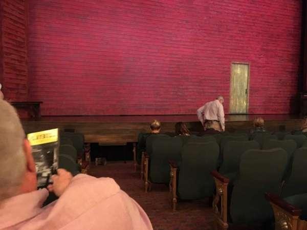 Shubert Theatre, sección: Orchestra L, fila: J, asiento: 1
