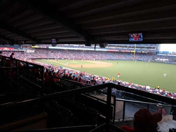 Angel Stadium, sección: T229, fila: AA, asiento: 1