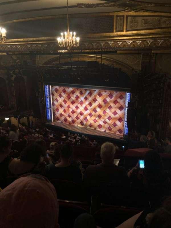 Brooks Atkinson Theatre, sección: Rear Mezz, fila: M, asiento: 18