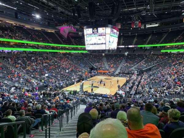 T-Mobile Arena, sección: 2, fila: X, asiento: 1