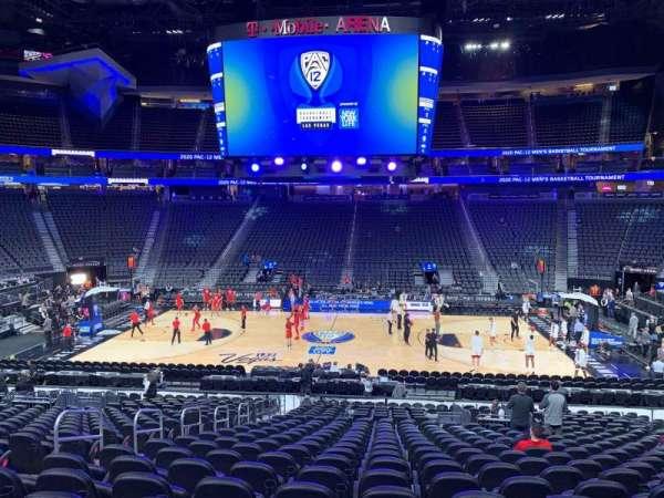 T-Mobile Arena, sección: 16, fila: U, asiento: 6