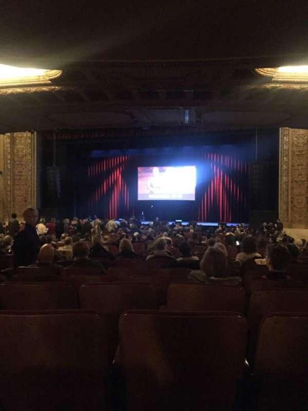 Chicago Theatre, sección: MNFL3R, fila: R, asiento: 308