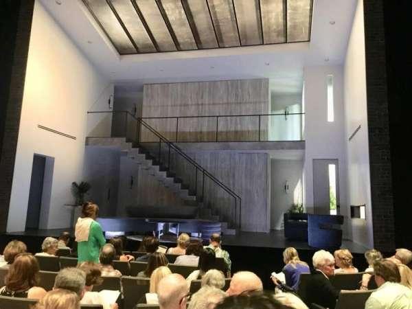 Laura Pels Theatre, sección: Orchestra, fila: H, asiento: 102