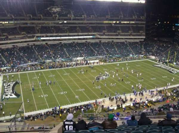 Lincoln Financial Field, sección: 222, fila: 14, asiento: 9