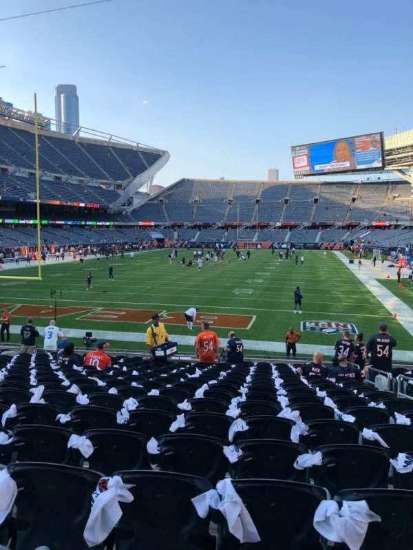 Soldier Field, sección: 121, fila: 17, asiento: 15