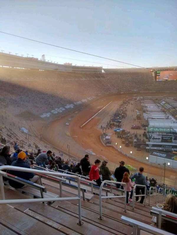 Bristol Motor Speedway, sección: waltrip u, fila: 52, asiento: 18