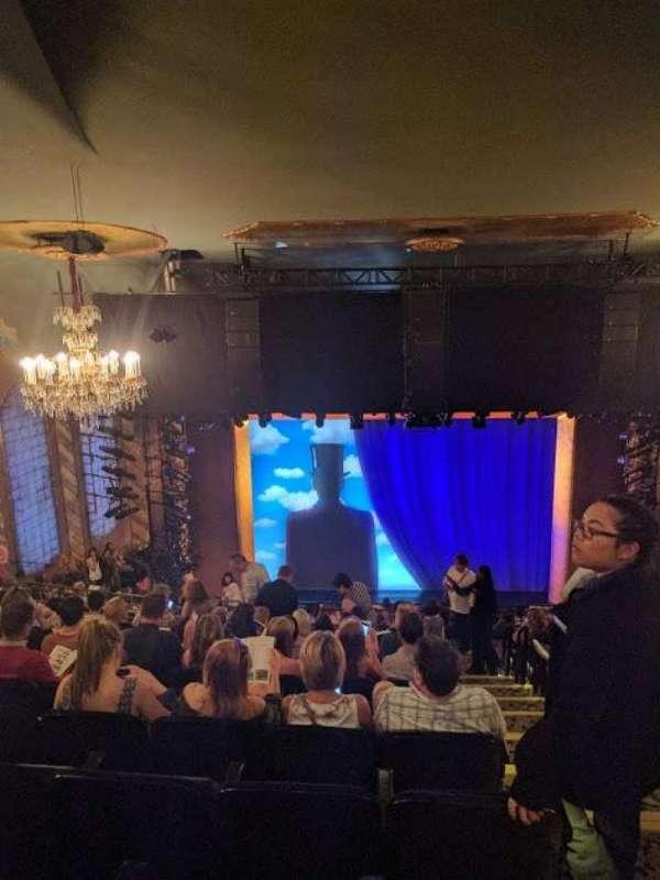 Lunt-Fontanne Theatre, sección: Rear Mezzanine LC, fila: L, asiento: 101