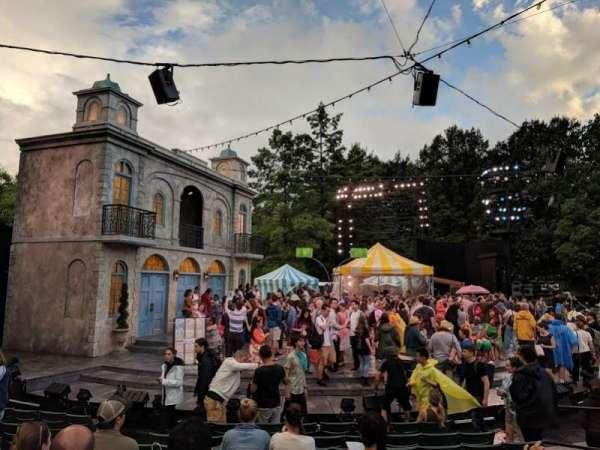 The Delacorte Theater in Central Park, sección: D, fila: H, asiento: 307