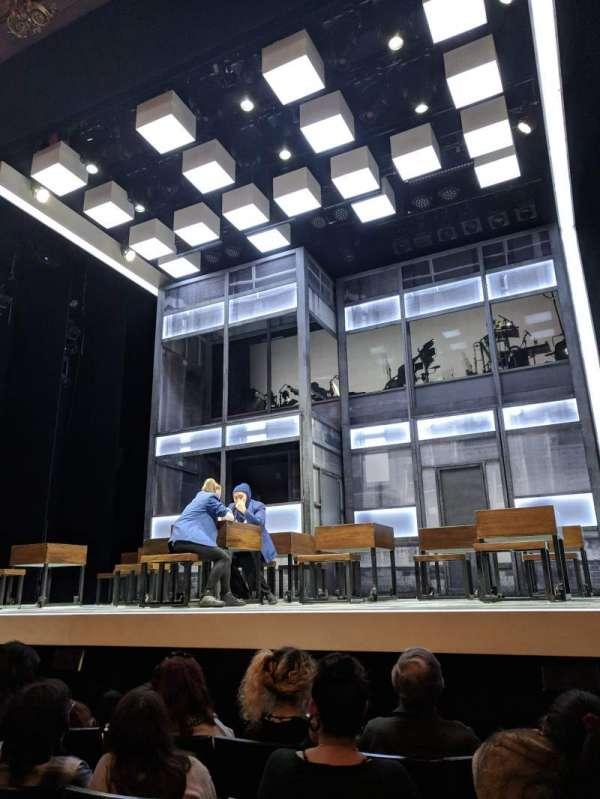 Apollo Theatre, sección: Stalls, fila: E, asiento: 5
