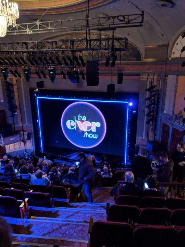Neil Simon Theatre, sección: Mezzanine, fila: O, asiento: 4
