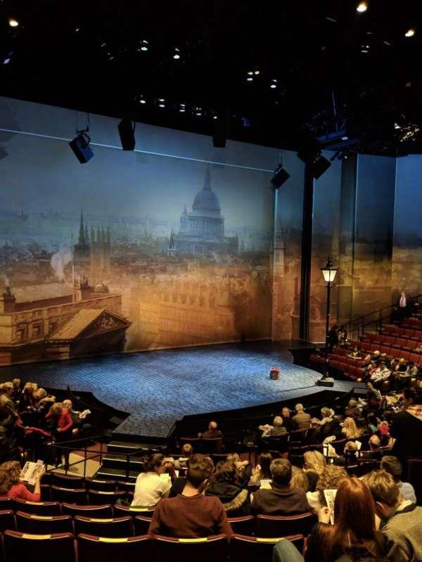Vivian Beaumont Theater, sección: ORCH, fila: N, asiento: 207