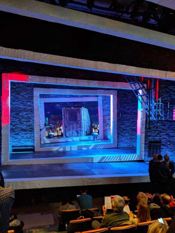 Tony Kiser Theatre, sección: ORCH, fila: G, asiento: 2