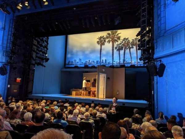 Hayes Theater, sección: Orchestra R, fila: N, asiento: 4