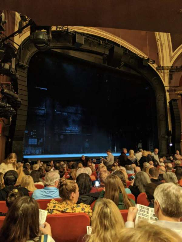 Broadway Theatre - 53rd Street, sección: Orchestra L, fila: P, asiento: 24
