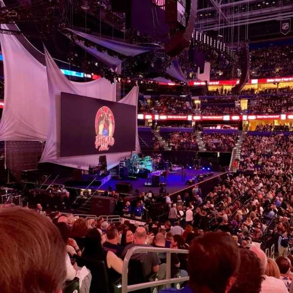 Amalie Arena, sección: 117, fila: U, asiento: 16