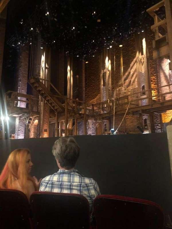 CIBC Theatre, sección: Orch-R, fila: D, asiento: 12