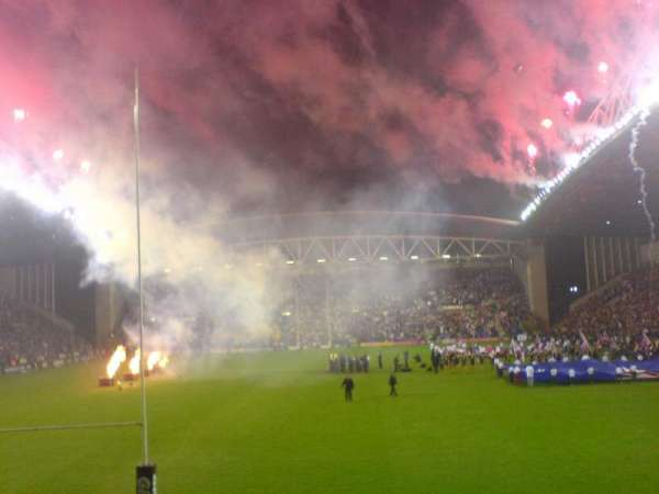 DW Stadium, sección: North Stand