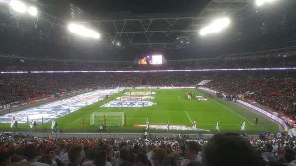 Wembley Stadium, sección: 111, fila: 44 ( back )
