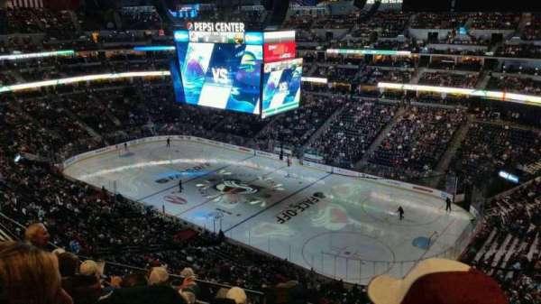 Pepsi Center, sección: 374, fila: 10, asiento: 2