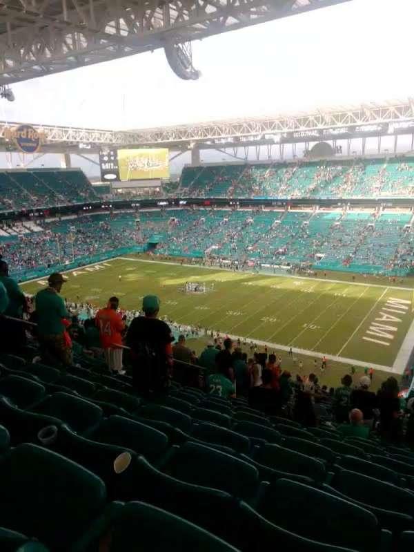 Hard Rock Stadium, sección: 341, fila: 25, asiento: 15