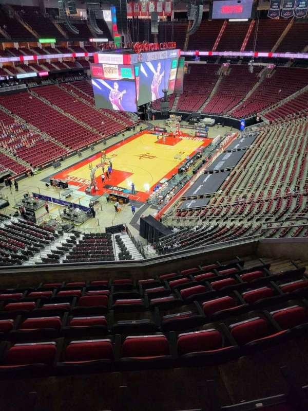 Toyota Center, sección: 432, fila: 8, asiento: 8