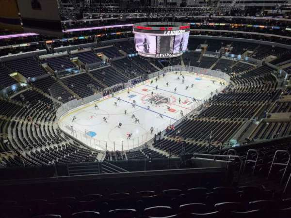 Staples Center, sección: 323, fila: 10, asiento: 6