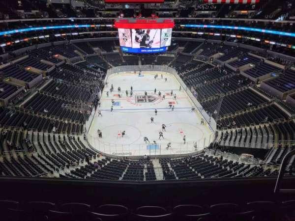Staples Center, sección: 327, fila: 4, asiento: 4