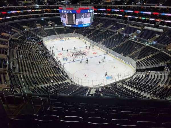 Staples Center, sección: 329, fila: 8, asiento: 9