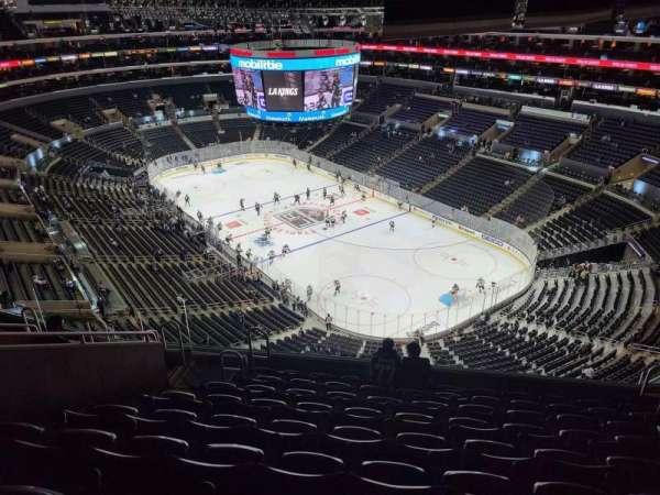 Staples Center, sección: 330, fila: 9, asiento: 9