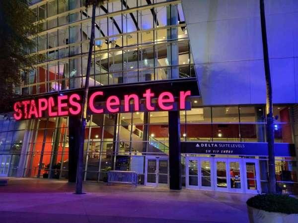 Staples Center, sección: SW VIP Entry