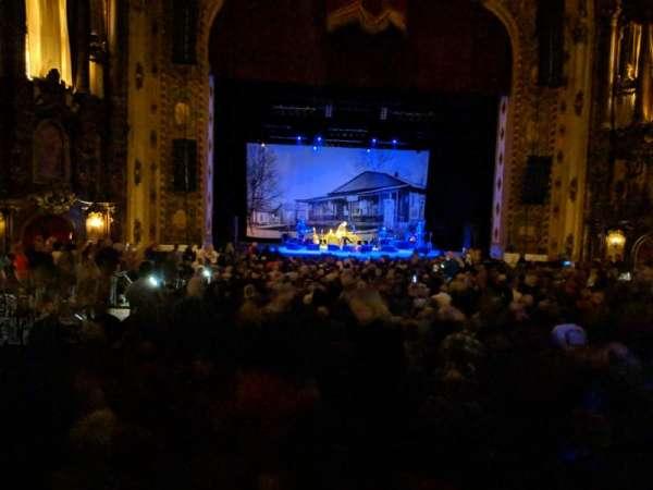 Midland Theatre, sección: 102, fila: 26, asiento: 24