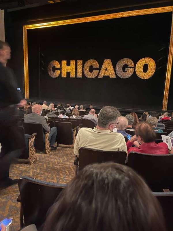Ambassador Theatre, sección: ORCHO, fila: M, asiento: 4