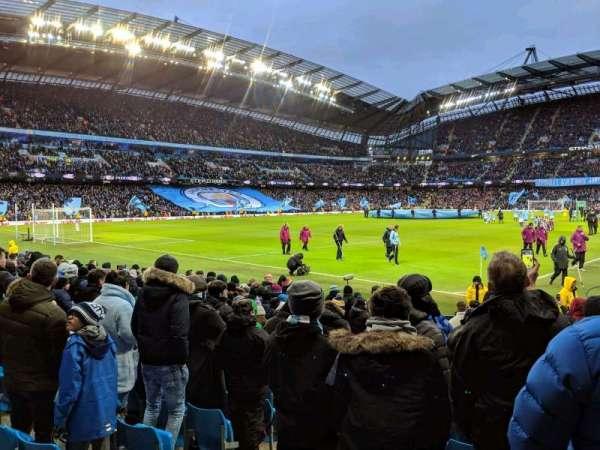 Etihad Stadium (Manchester), sección: 132, fila: K, asiento: 885