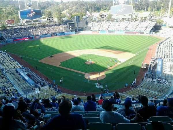 Dodger Stadium, sección: 3rs, fila: U, asiento: 6
