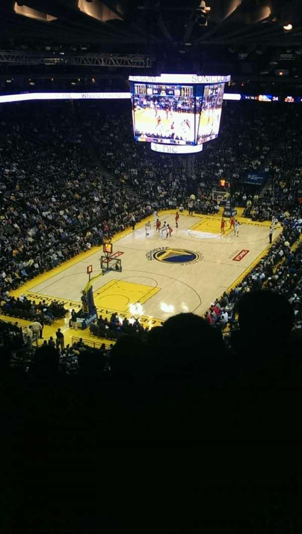 Oakland Arena, sección: 205, fila: 8, asiento: 13