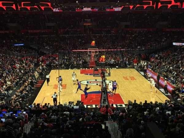 Staples Center, sección: 208, fila: 7, asiento: 2