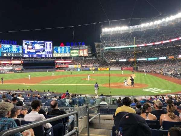 Yankee Stadium, sección: 121b, fila: 7, asiento: 13