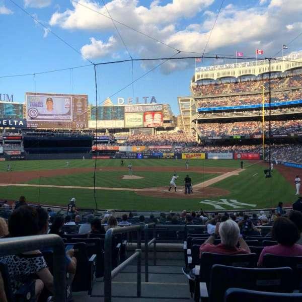 Yankee Stadium, sección: 121A, fila: 9, asiento: 13