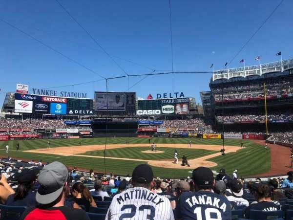 Yankee Stadium, sección: 121A, fila: 13, asiento: 8
