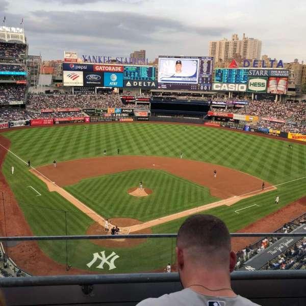 Yankee Stadium, sección: 320A, fila: 2, asiento: 11