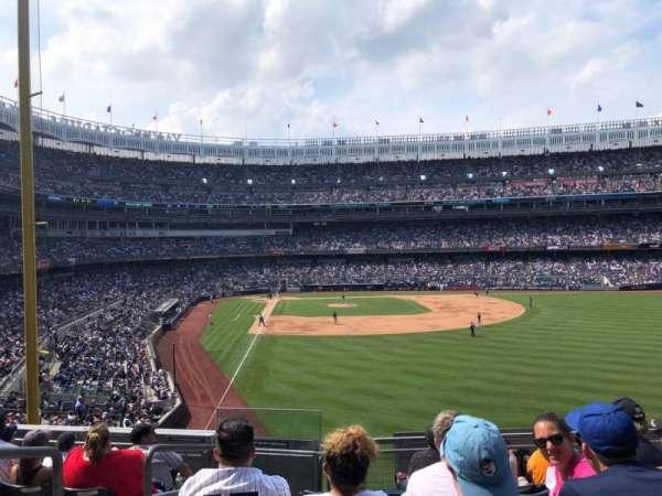 Yankee Stadium, sección: 206, fila: 7, asiento: 15